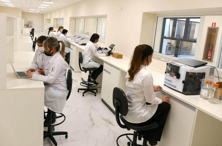 Pesquisadores paranaenses lideram estudo sobre a Covid-19