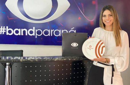 Natália Xavier preparando seu novo quadro na TV, que será transmitido para Santa Catarina e região metropolitana do Paraná